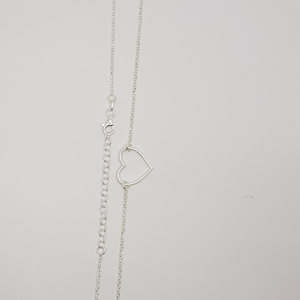 C02 Chain with heart pendant