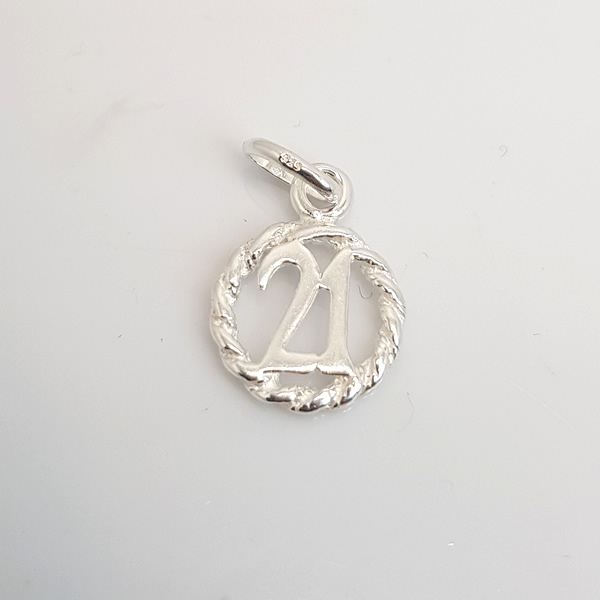 P28 Circle 21 Pendant 925 Sterling Silver